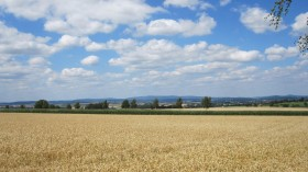View from the road to Holzburg to Wasenberg.