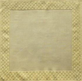 Eine Decke (2-2002) mit einem Wickelstichmuster als Randverzierung sieht sehr edel aus.