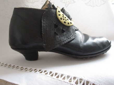 `Kletzschuhe´   `block´ shoes
