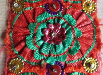 Tritzer, aus zwei Seidenbändern gefertigt